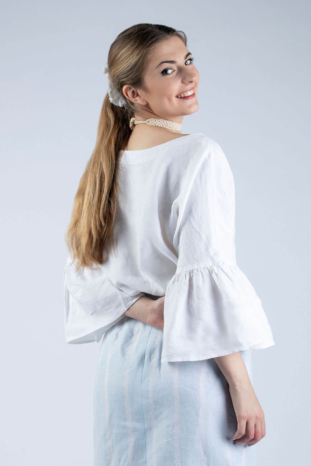 Hannah linen blouse with ruffle sleeve, back view