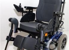 Un fauteuil électrique pour cora