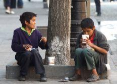 Ayuda niños en situación de calle