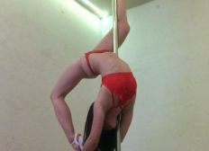 Bitte um Eure Hilfe: fund-raising for Anna's pole dance and study aspirations