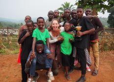 Waisenkindern aus Uganda Bildung schenken!