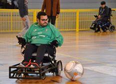 Financer un fauteuil Strike Force pour le foot fauteuil