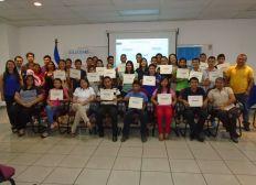 apoyando becas para jóvenes rurales
