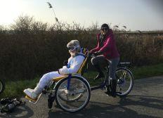 Marie sa maman et le projet de vélo monopousse