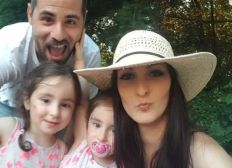 A tree fell on his car - young father died in an car accident - help for his twin-girls