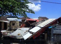 Aide aux victimes du séisme à Lombok août 2018