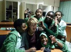 Beitrag zur neuen Bibliothek der Kaaga Girls' High School