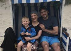 Hilfe für jungen Witwer und dessen Sohn