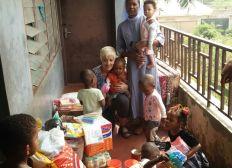 Hilfsgüter Container für Nigeria