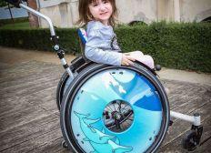 Delphintherapie für Lara