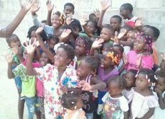 Angola's Charity -Christmas is coming, help us to make happy those innocent kids!