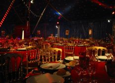 CREATION ENTREPRISE DINER SPECTACLE THOISSEY
