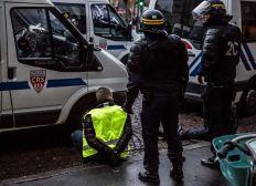 """Pour les victimes de la """"Police"""" Française"""