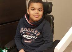 Un fauteuil roulant électrique pour Kelyan