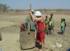moulin à grains solaire pour alléger le quotidien de femmes africaines