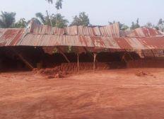 De l aide pour la reconstruction de cette salle de classe au bénin!!!