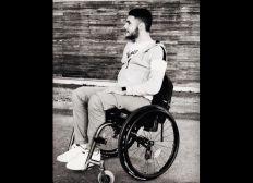 Romain 21 ans, tétraplégique incomplet.