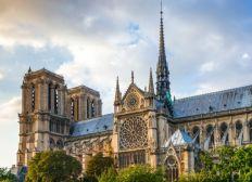 Rabobank collection for restoration of Notre Dame
