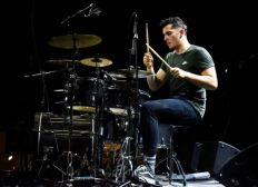 """Yann intègre l'ICMP à Londres pour décrocher le """"highter diploma"""" en batterie"""