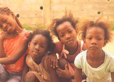 Fondos para ayudar a niños de escasos recursos, sostenimiento educativo y alimentación