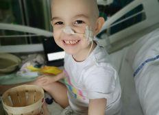 Pour Salomé, 3 ans, atteinte d'une leucémie myéloblastique