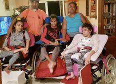 Une famille extraordinaire : pour Anne-Cécile, Pierre-Olivier, Elodie... et Jean-Marc
