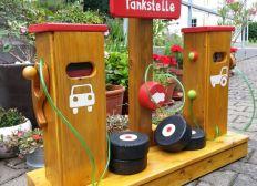 Holztankstelle für Kindergarten