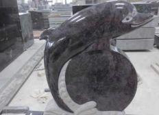 Grabstein für einen dreifachen Vater und Fischeliebhaber