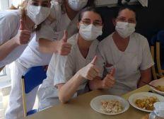 """Coronavirus - Solidarité avec le personnel médical et les autres """"oubliés"""""""