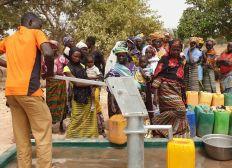 Construction d'un puits au Burkina Faso