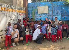 Bus scolaire pour l'orphelinat Osiligi