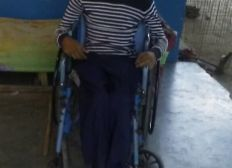 Consigue una silla de ruedas y alientos para Norwin