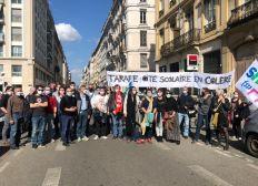 En soutien à la grève de la vie scolaire du Lycée de Tarare : non à la suppression du poste de CPE à la rentrée 2021