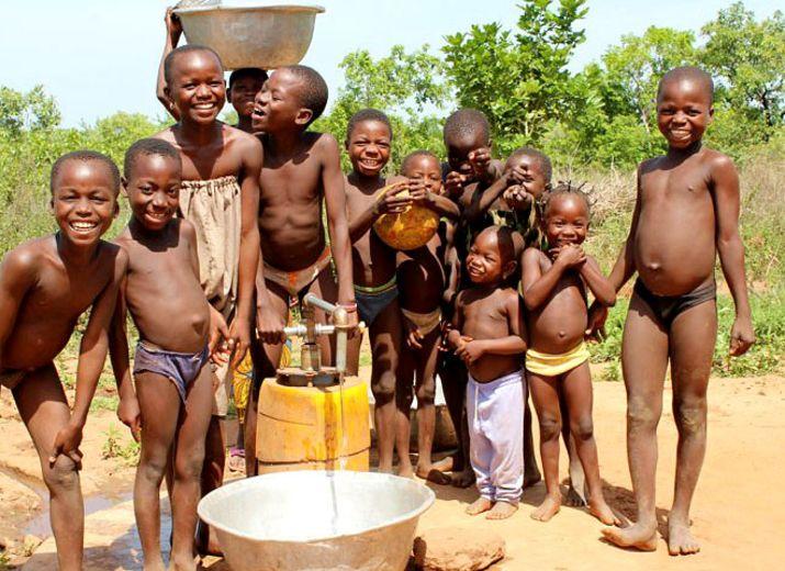 Assurons le bien-être des habitants de Lama-Bou (Togo). Aidons les à subvenir à leurs besoins vitaux
