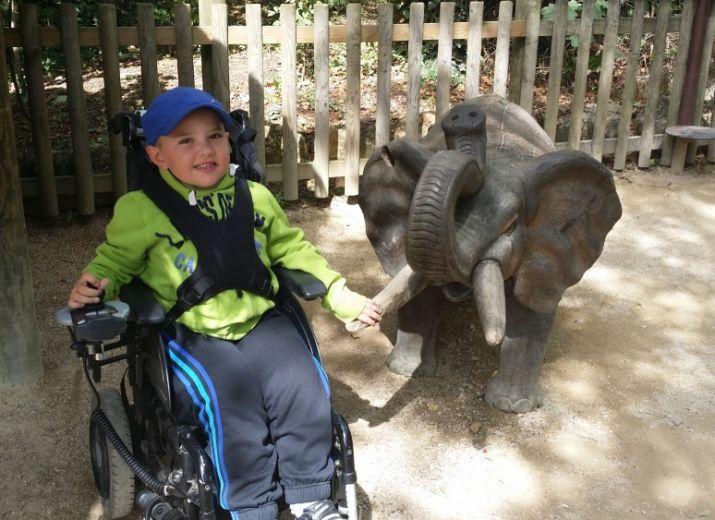 Besoins de vous pour un nouveau fauteuil électrique pour Hugo