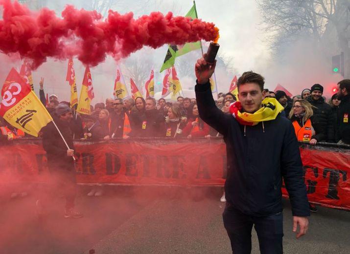Solidarité avec les cheminots grévistes de la gare de Paris Lyon