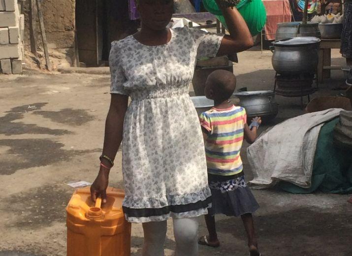Un dispensaire sur la décharge d'Agbogbloshie Accra