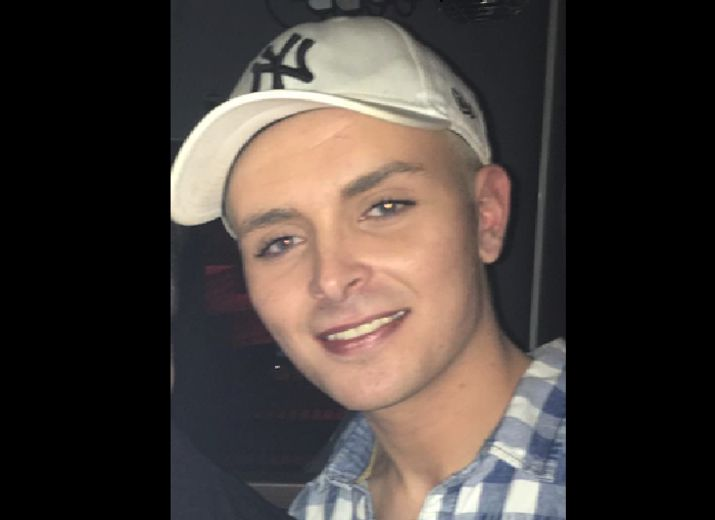 Obsèques pour Daniel - Tué à 20 ans à cause de sa différence