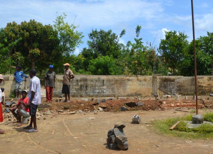 Reconstruction d'une école à MADAGASCAR