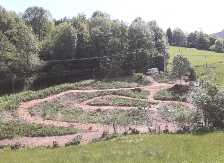 un jardin botanique à augirein en ariège