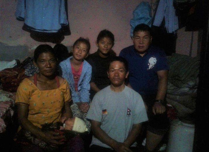 NEPAL -  Dringende Hilfe für zwei nepalesische Familien zum Wiederaufbau ihrer Wohnhäuser nach dem Erdbeben 2015