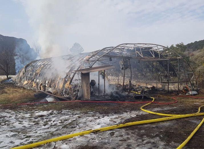 Incendie de notre chèvrerie à La Bréole