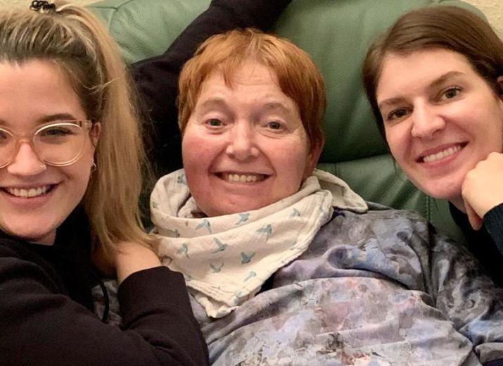Ein Pflegebett für Jutta / A Medical Bed for Jutta