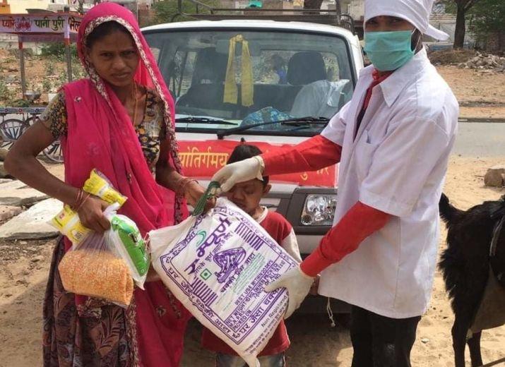 Des lentilles et du riz pour les familles indiennes