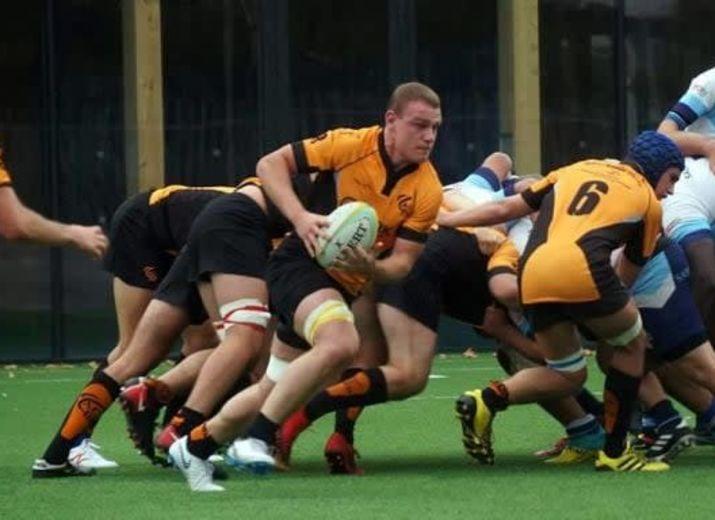 Les séniors de l'ACBB rugby s'engage auprès du personnel de nettoyage d'Ambroise Paré