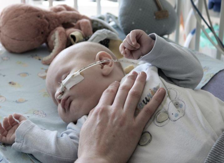 Aidons les parents à rester au plus proche de leurs enfants hospitalisés