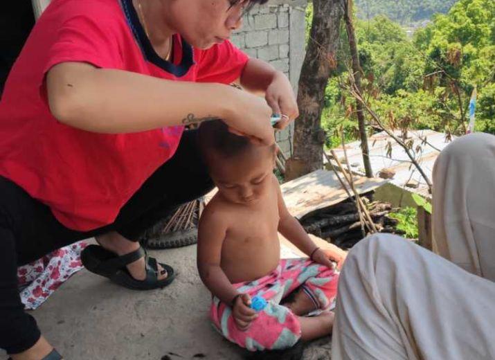 Tamang helping