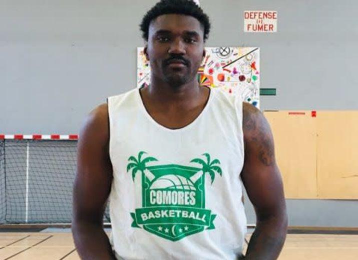 Camp basket Comores