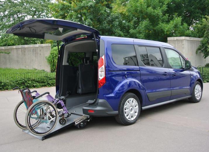 Un véhicule adapté pour Damien