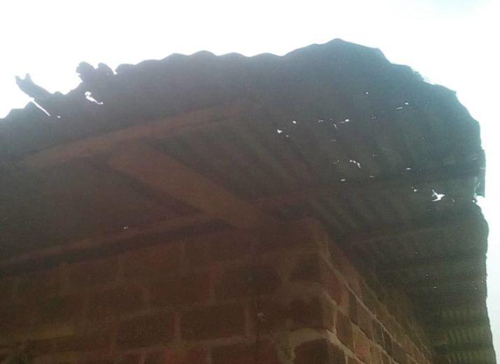 Construire les toilettes et rénover la toiture de l'école de KIBOUNDA-(République du Congo)